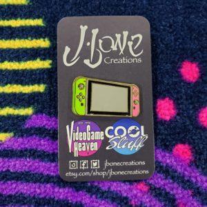 """""""Splatoon"""" Switch Console Enamel Pin (Neon Green & Pink)"""